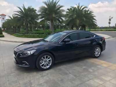 Kẹt tiền cần bán gấp xe Mazda 6 2.0AT đời 2017, màu xanh lam giá bao rẻ