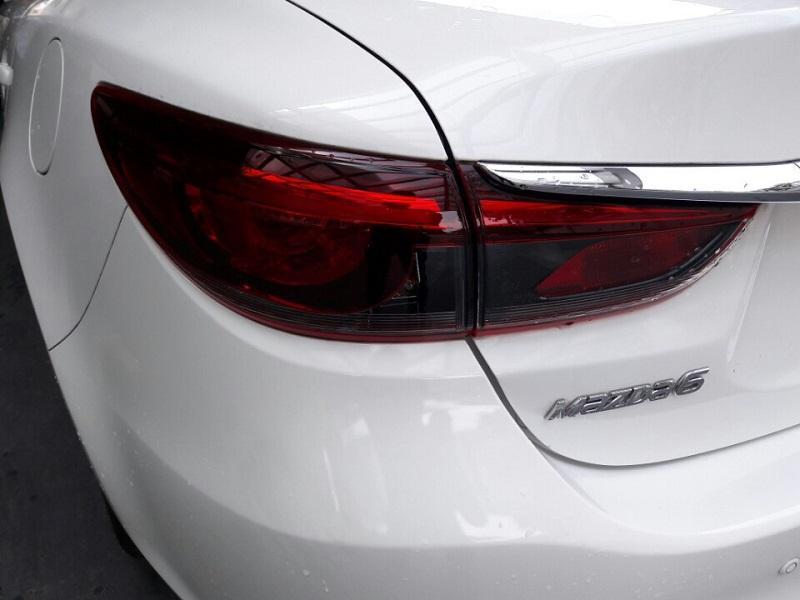Mình cần bán chiếc Mazda 6 2.0 Premium 2017, mới 100% giá bao rẻ