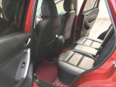 Cần bán xe Mazda Cx5 Facelip, sản xuất 2016, số tự động, bản 2.0, màu đỏ còn mới tinh,
