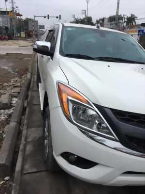 Cần bán xe Mazda BT50 3.2AT 2013 màu trắng máy dầu 2 cầu
