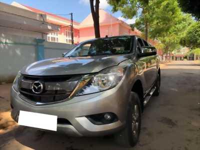 Gia đình cần bán xe Mazda bt50 2017, số sàn, máy dầu, hai cầu, màu xám