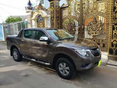 Bán Mazda BT50 Xám 2018 số sàn máy dầu, hai cầu xe rất mới.