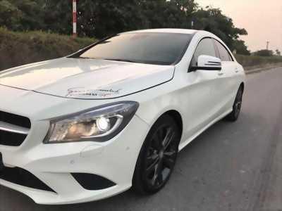 Cần bán xe Mercedes CLA200 nhập khẩu 2015 đk 2016 màu trắng cực mới