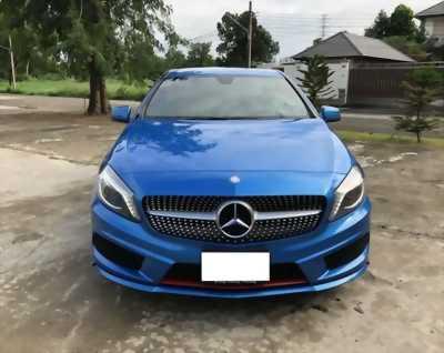Cần bán gấp xe Mercedes A250 2016 màu xanh ngọc