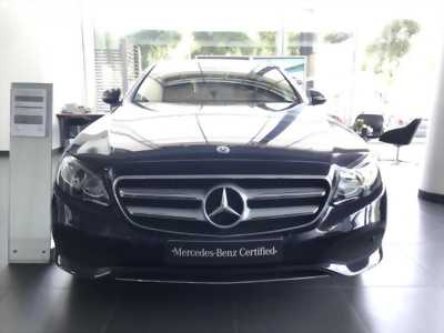 Chuyên xe Mercedes lướt E250 Xanh Đen, odo 30 km, Chính hãng bán