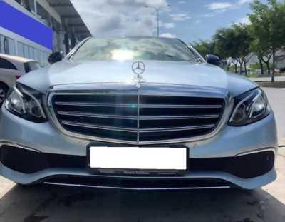Bán em Mercedes E200 số tự động 2018 màu Xám xanh.