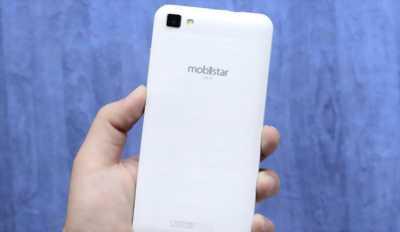 Cần bán dt mobitar 2gam màu trắng ở nhớ 32 g