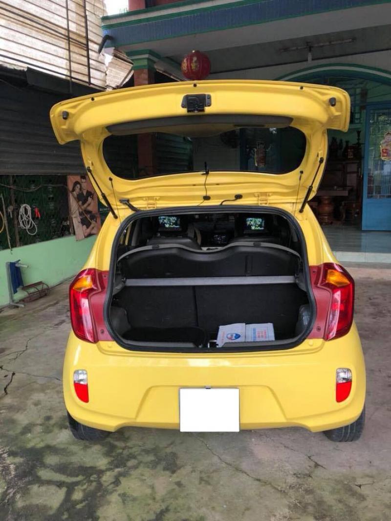 Cần bán gấp Kia Morning 2015 số sàn.Xe màu vàng,mâm đúc