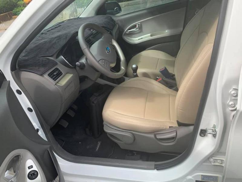 Cần bán xe Kia Morning SI 2019, số sàn, màu trắng