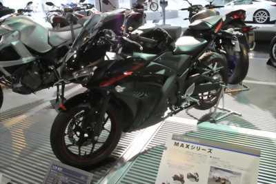 Cần bán xe Motor yamaha R25 nhập nguyên chiếc ấn độ