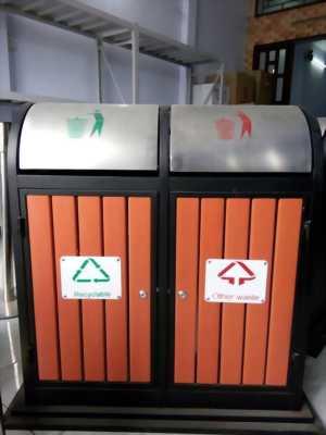 Thùng rác ngoài trời, thùng rác 2 ngăn giả gỗ mới giá rẻ nhất