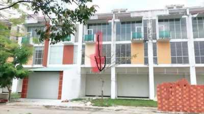 Bán nhà 3 lầu trong đô thị Bình Dương, thổ cư, sổ hồng