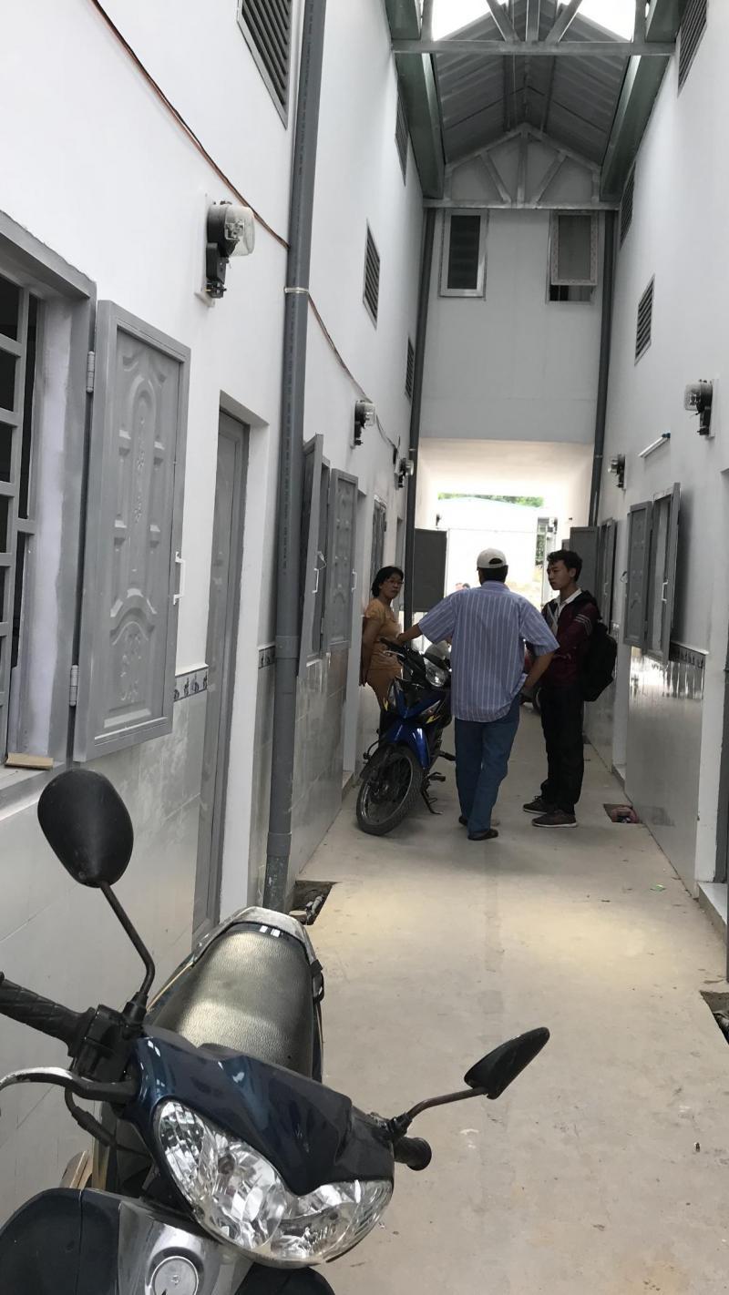 Bán nhà mới xây gần trung tâm thương, đã hoàn công