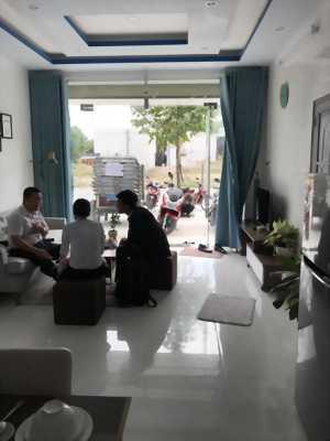 Bán nhà kèm dãy phòng trọ trong khu công nghiệp Bàu Bàng.