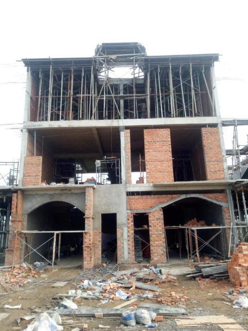 Nhà mặt tiền Quốc lộ 1A giáp Bình Chánh