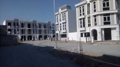 Bán nhà Long Phú Vila 1 triệt 2 lầu 1 tum 3,2 tỷ SHR - nhà mới xây- ngay trung tâm thị trấn bến lức