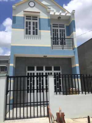 Bán nhà sổ hồng riêng DT 4x12m 1 lầu, 2PN, đường QL50