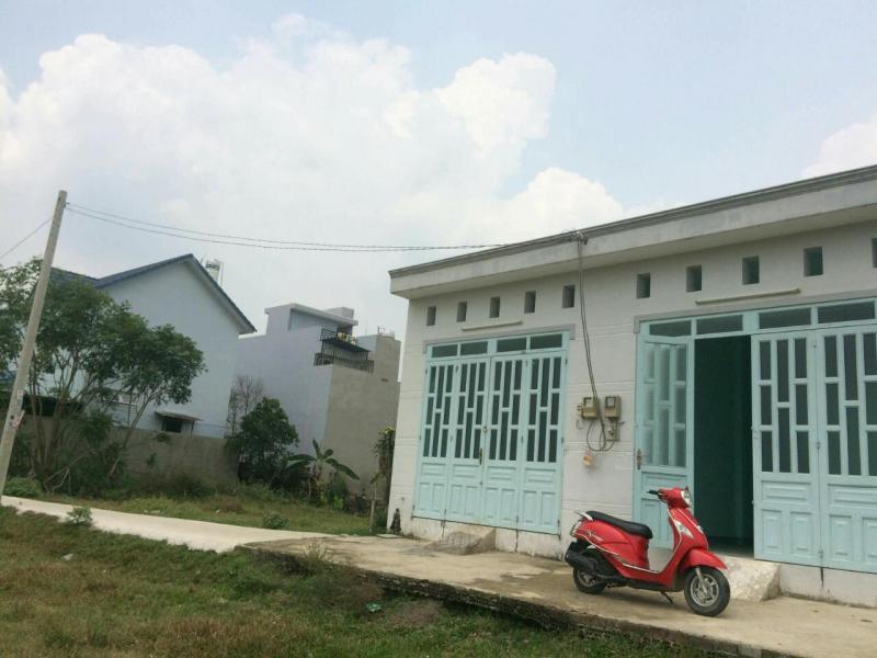 Cần bán gấp căn nhà, diện tích 68m2, sổ hồng chính chủ