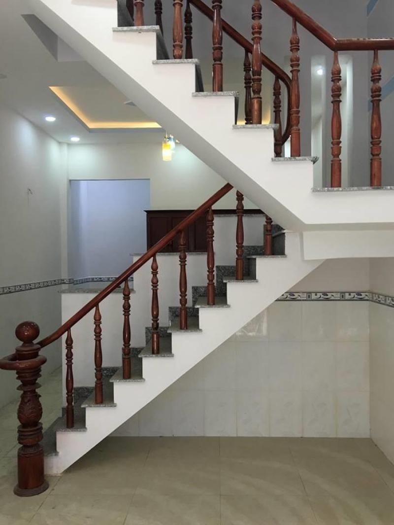 Bán nhà giá rẻ ngay chợ Liên ấp 123, Vĩnh Lộc A, Bình chánh.