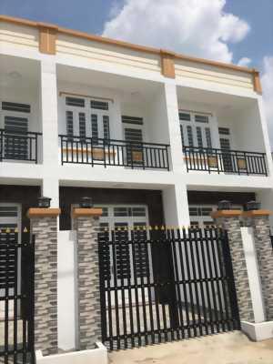 Bán nhà 1 trệt 1 lầu đối diện khu CN cầu tràm, Sổ hồng riêng, Giá 1ty3