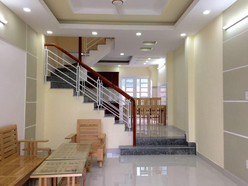 Cần bán nhà 2 tầng, hướng Tây Bắc, phường Trần Hưng Đạo