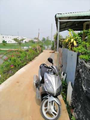 Bán nhà gần Quốc Lộ 50, xã Tân Kim, nhà mới xây trệt, lầu, 3PN, giá 850 triệu. LH: 0934.185.189