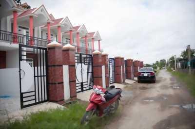 Bán nhà trệt lầu mới xây mặt tiền đường xe hơi Xã Long Thượng, Cần Giuộc, Long An.LH: 0934.185.189