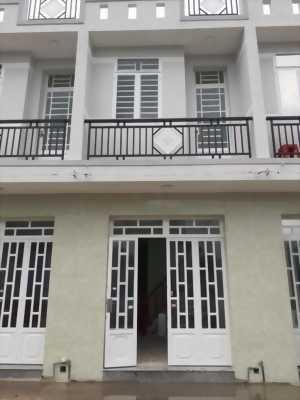 Bán nhà trệt lầu, giá vừa túi tiền ở ấp Lộc Tiền, xã Mỹ Lộc, huyện Cần Giuộc, tỉnh Long An.