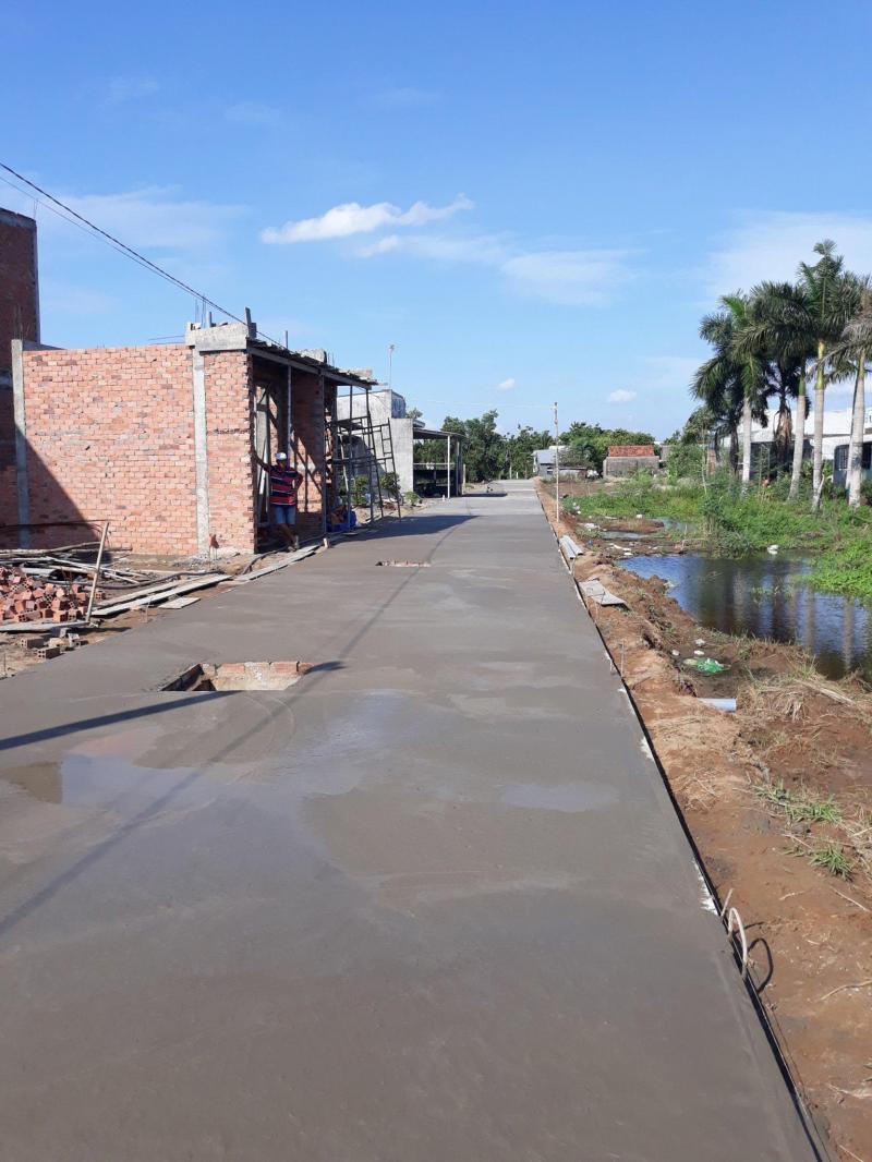 Bán nhà mới xây, hẻm xe hơi thuộc ấp Long Phú, xã Tân Kim, huyện Cần Giuộc, Long An.