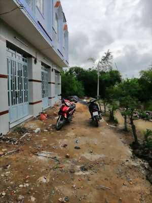 Bán nhà trệt lầu, hẻm xe hơi ấp Lộc Hậu, xã Mỹ Lộc, huyện Cần Giuộc, tỉnh Long An