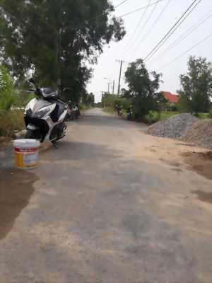 Bán nhà mái thái mặt tiền đường ấp Thanh Ba, xã Mỹ Lộc, huyện Cần Giuộc, tỉnh Long An.