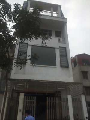 Bán gấp căn nhà mặt tiền đường Phan Đình Phùng