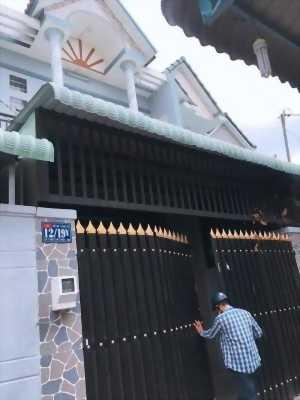 Đúc 1 lầu 5 x 17m giá 3 tỷ 050 triệu đường Trịnh Thị Miếng, hẻm 4m.