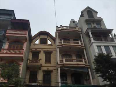 Cho thuê nhà gồm cửa hàng nhà 3 tầng