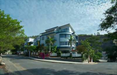 Bán nhà đất thổ cư DT 53.6m2, giá 580 triệu, đường ô tô