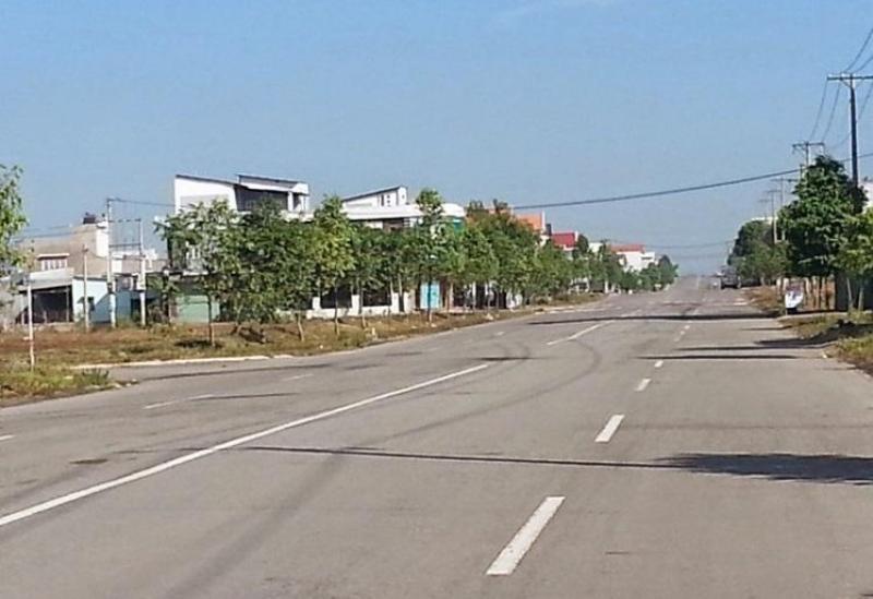 Gấp bán đât MT Nguyễn Văn Tạo,Nhà Bè,985m2- 6.5  tỉ