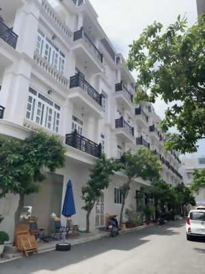 cần tiền mở xưởng ra gấp nhà phố đường Hà Huy Giáp,phường thạnh lộc, quận 12