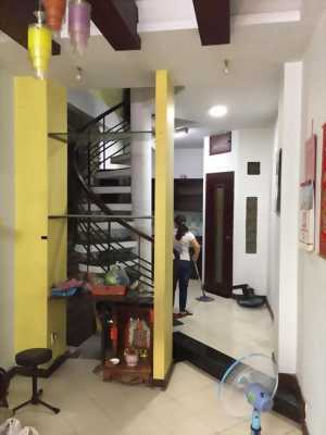 Bán nhà hxh Nguyễn Tiểu La Q10, trệt, 3 lầu, giá 5 tỷ 2