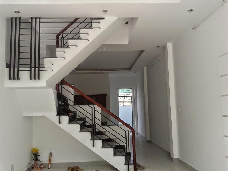 Bán nhà mặt tiền đường Thạnh Lộc, quận 12