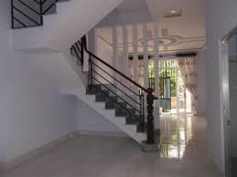 Nhà phố 2 lầu đúc, ngay metro Hiệp Phú, 3,5x11m