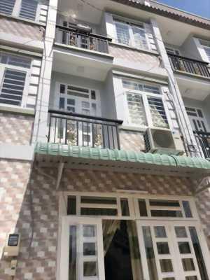 Tôi cần bán gấp căn nhà ngay đường Nguyễn Văn Quá