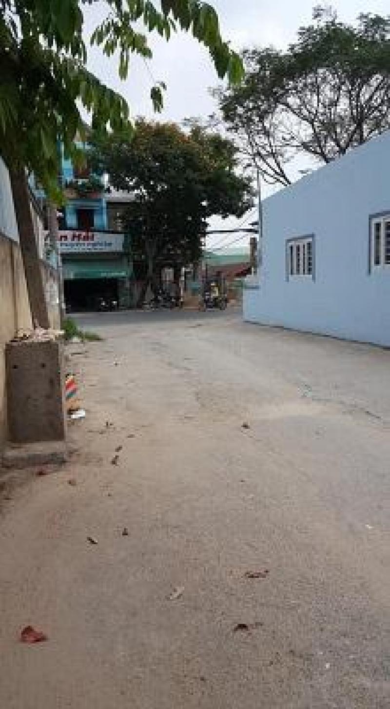 Cho thuê nhà đúc 2,5 tấm 4 x 23m giá 12 triệu/ tháng đường Trần Thị Cờ.