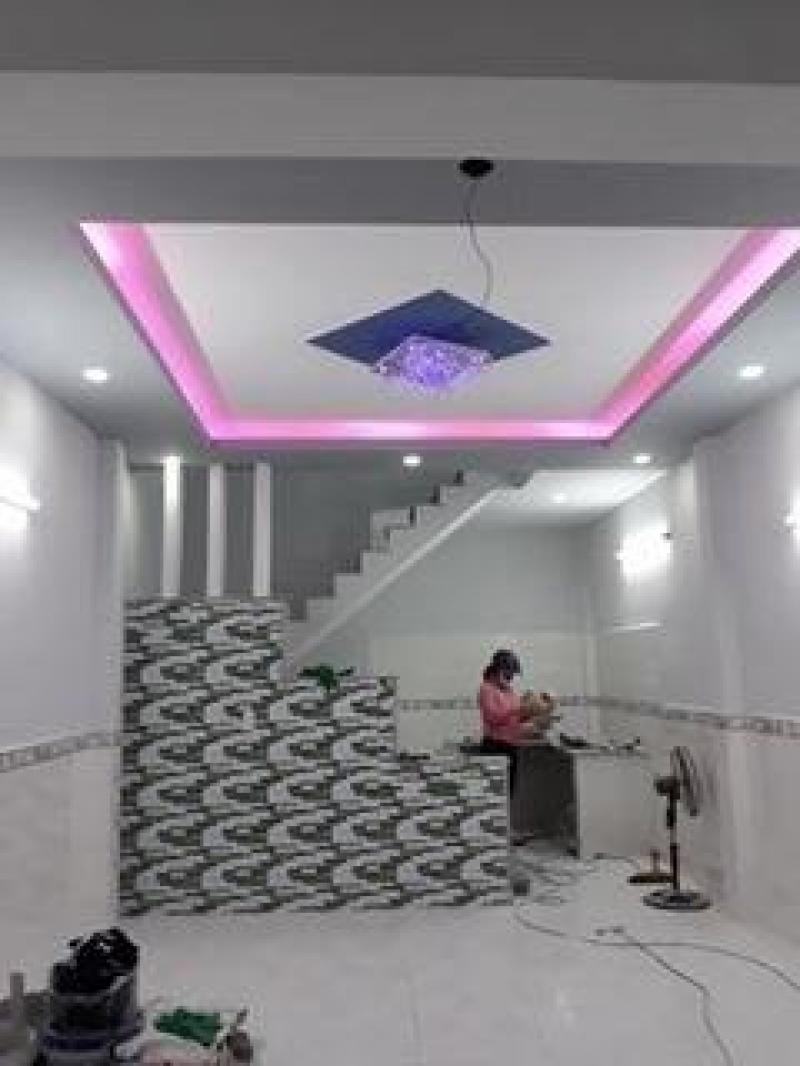 Đúc 1 lầu 4 x 8m (SHR) giá 2 tỷ 150 triệu đường Nguyễn Thị Căn.
