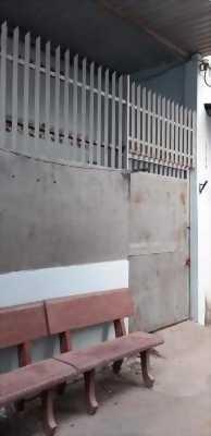 Nhà bán 4 x 14m giá 2 tỷ 300 triệu đường Nguyễn Ảnh Thủ.