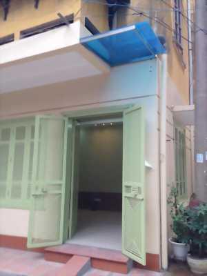 Cần bán căn nhà 2 mặt tiền đường Lê Hồng Phong, P.10
