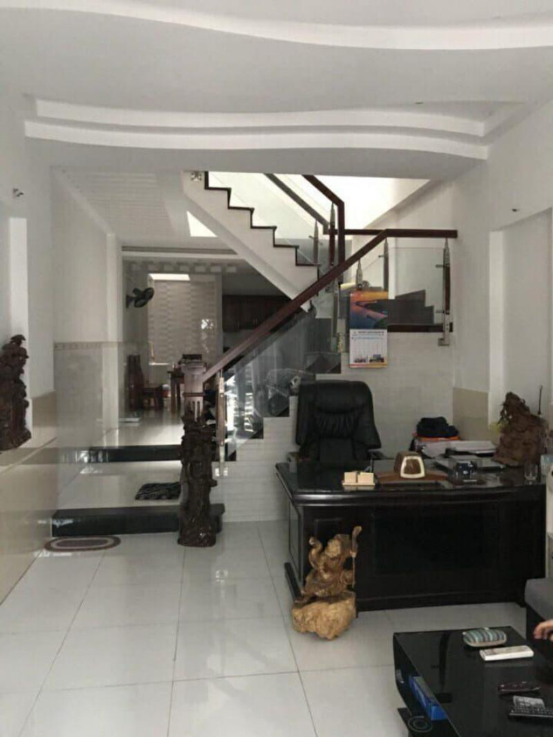Bán gấp nhà HXH 944 Huỳnh Tấn Phát, P. Tân Phú, Quận 7