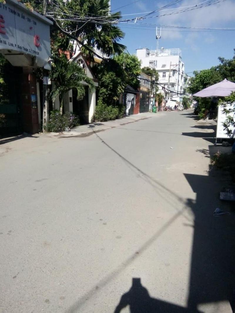 Bán gấp nhà cấp 4 MT hẻm Nguyễn Văn Linh, Quận 7