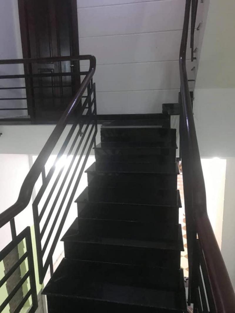 Cho thuê nhà mặt tiền 5x25 (trệt, 3 lầu) gần Cầu Phú Mỹ, Q7