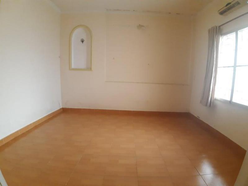 Nguyên căn 5x22m, Hẻm 6m, Trệt, 1 Lầu 4 Pn, cách Nguyễn Thị Thập 50m.