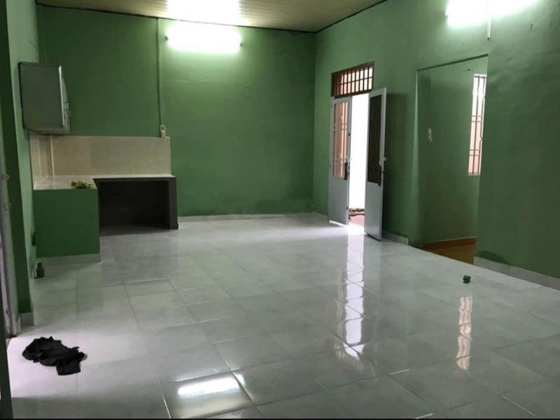 Nguyên căn cấp 4 HXH dt 7,5m x 30m Nở hậu 8,5m cách đường Nguyễn Thị Thập 50m, Q7